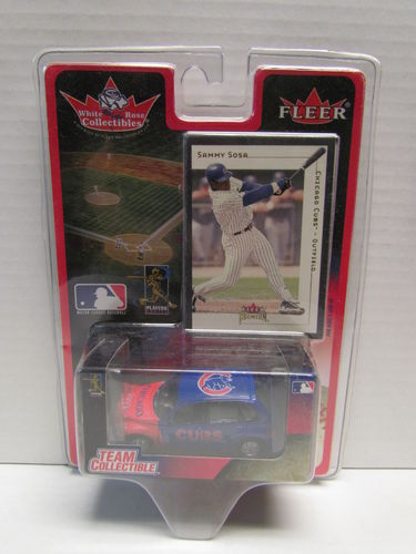 2001 Fleer White Rose Sammy Sosa Card and Cubs PT Cruiser Diecast Car 1:64